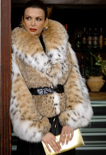 432 best Luxurious Furs images on Pinterest | Fabulous furs, Fur ...