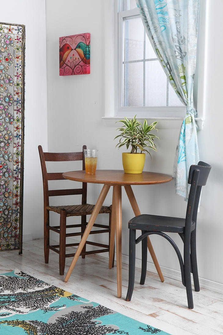 Cute tiny inexpensive table for a small eating space for Small eating table