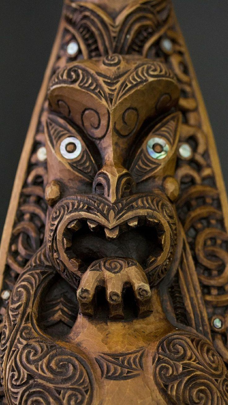 Hoe - Whakairo Rākau - Māori Arts and Crafts - Aotearoa