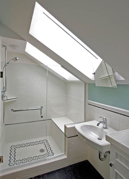 The Tiniest of Bathrooms Undergoes a Complete Transformation