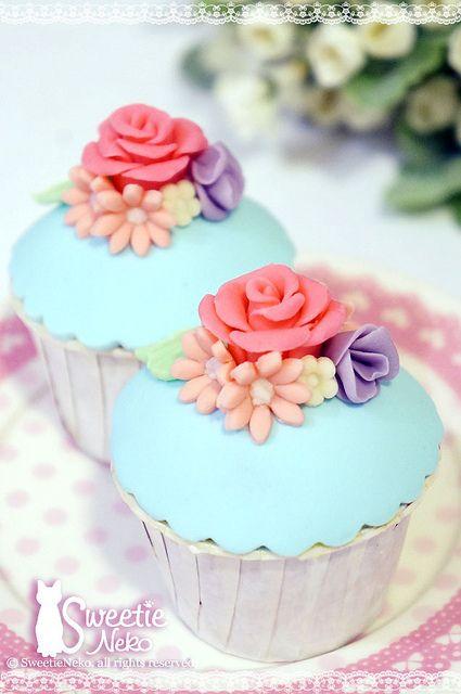 flower cupcake by SweetieNeko Homemade Sweets, via Flickr