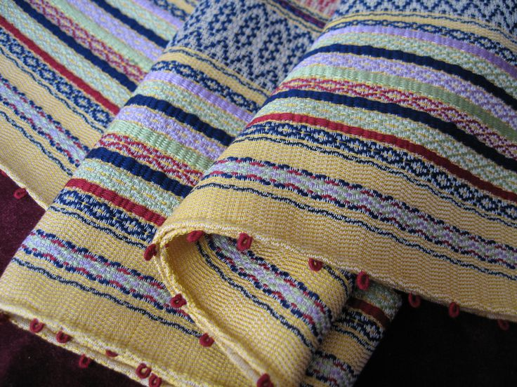 Silk fabric made with manual loom
