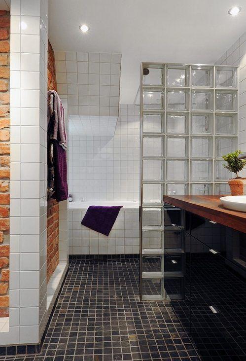 Ideas geniales para decorar baños con pavés y dar en la diana - https://decoracion2.com/decorar-banos-con-paves/ #Cabinas_De_Ducha, #Cuartos_De_Baño_Luminosos, #Tabiques_De_Bloques_De_Vidrio