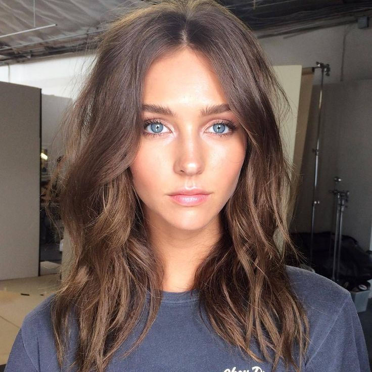 brushed out waves, brows & that natural glow has got us like via…