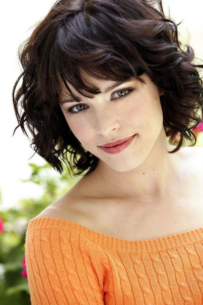 30 Cute Styles Featuring Curly Hair With Bangs Pinterest Short