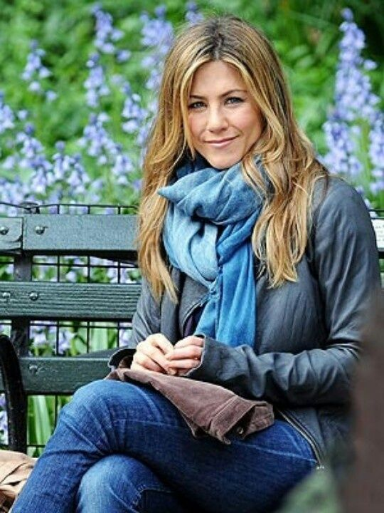 Soft Summer Jennifer Aniston in Shale Blue/Blue - I have trouble with the gradations of Summer color.  I would have thought these were True to Light colors, although I can see how she's a Soft.