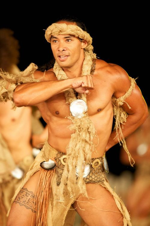 wait... this one is closer.... closer to my people.... bahahahahahah  OH MY GOD!! God Bless Polynesia!!!! and Its Hot Men!!
