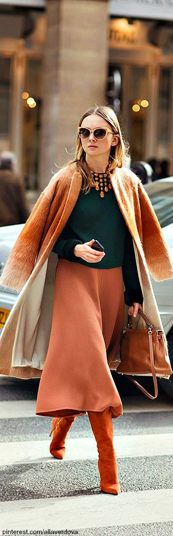Street style - like this color pairing. Rustic an chic #fashion #style #chic