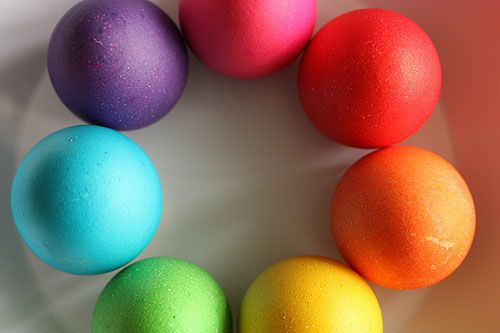 DIY: Complete instructions on getting these intense colors when dying eggs w/ food coloring. DIY is for dying the empty shells, but I'd use the instructions to dye my eggs, instead of the traditional egg coloring kit. I'll have to set this up in the garage so my 6 year old granddaughter can help:)!