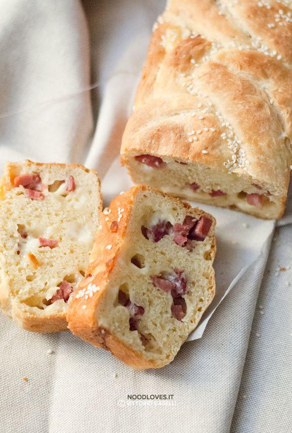Soffice, morbido e super goloso! Ecco la ricetta del pan brioche salato senza burro (all'olio evo), da farcire come più vi piace ...guardate com'è buono!