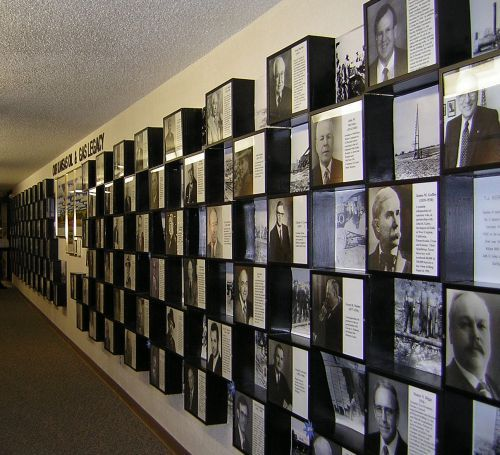 Image gallery of alumni who have supported the institution and/or appeared in the NYIT Magazine or other publications.