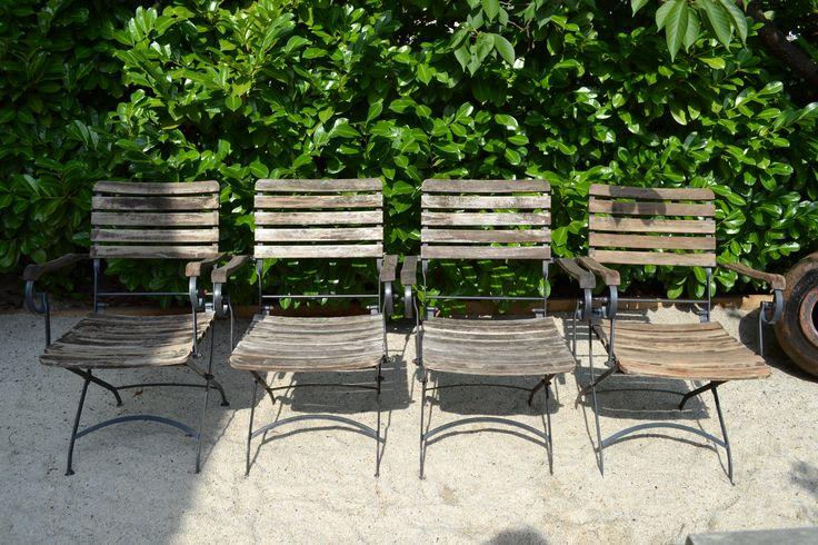 4 prima Franse stoelen hout met metaal.