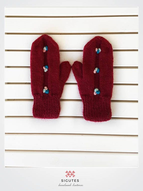 Hey, I found this really awesome Etsy listing at https://www.etsy.com/listing/547133372/hand-knitted-mittens-burgundy-ice
