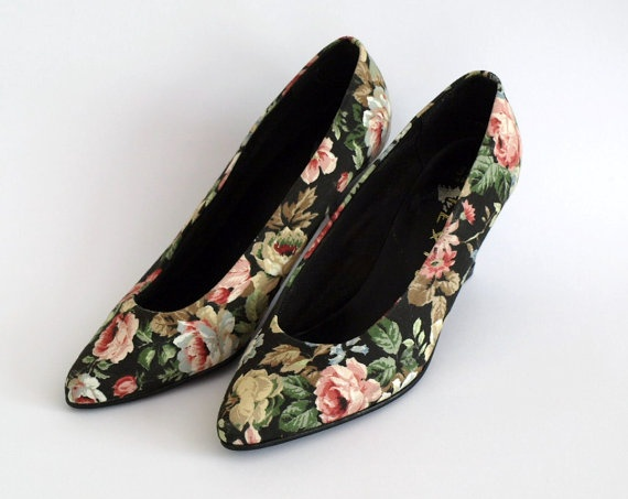 1980s black floral fabric court shoes with by PennyDreadfulVintage