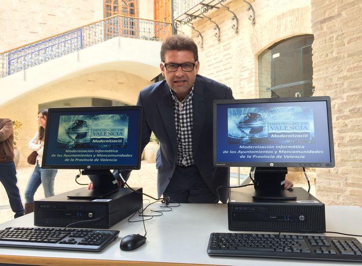 José Manuel Haro presentando la App gratuita para municipios.