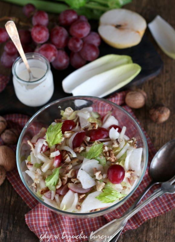 Gdy w brzuchu burczy... : Surówka z selera naciowego, gruszki nashi i winogrona