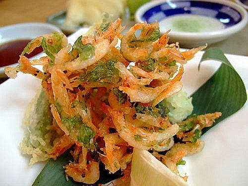Procurando por receitas de Entradas e Aperitivos? Então experimente Tempurá de Legumes, uma receita de Entradas e Aperitivos que você não vai mais tirar do seu cardápio.