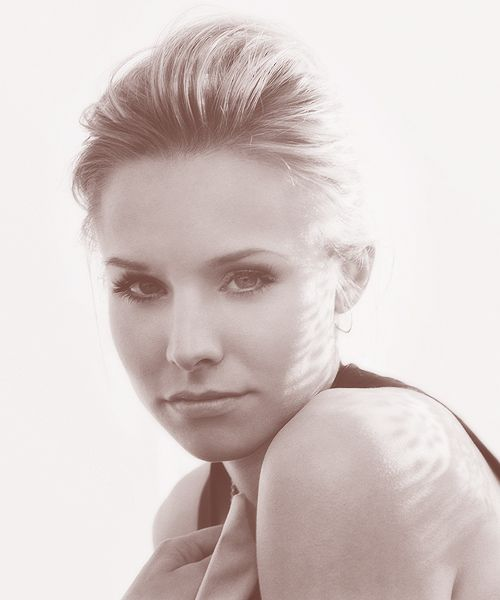 Kristen Bell.... she's just so darn cute and likeable!!!