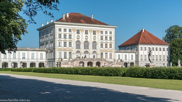 Blick auf das Schloss Nymphenburg vom Schlosspark aus