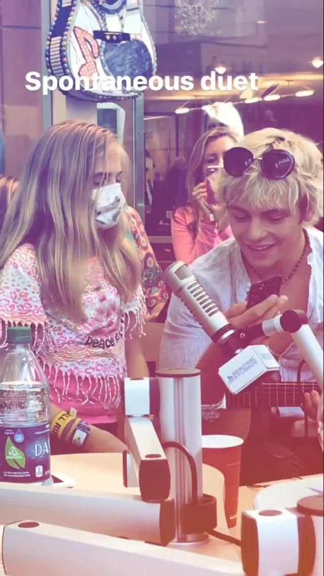 Awee this is so cute. If you don't know What's happening here... R5 went to a children's hospital and Ross here is singing butterfly song with this little girl.