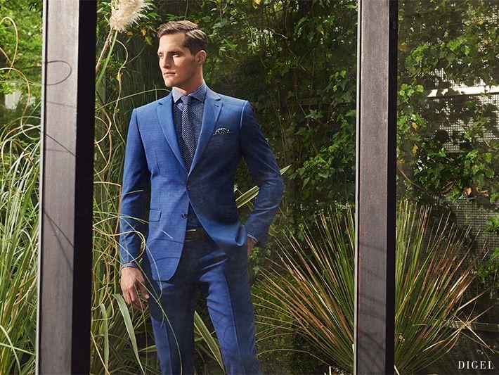 intensives Blau bei den Anzügen, Hemden und Krawatten von Digel #Digel #Herrenmode #Business #Anzug #Blau
