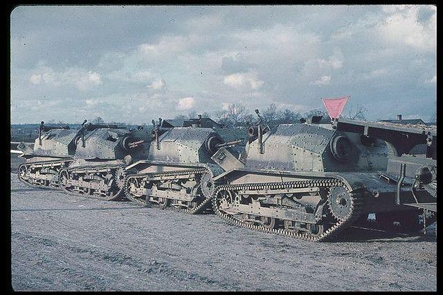 Tankette Polish army 1939, color photo, pin by Paolo Marzioli