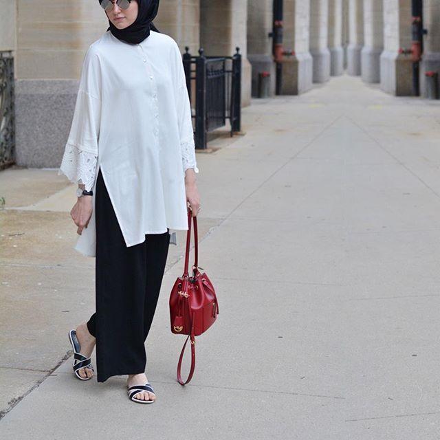 Black & White with a  or Red. My absolute favorite combo  find it at @modatuval ! •  #hijabfashion #hijabstore #chichijab #hijabchic #hijabi #hijaber #hijabista #hijabdaily #hijabootd #hijabonline #chichijab #modesty #modestfashion #fashion #streetstyle #ootd #hijab #hijabstyle #smile #hijab #ramadan #ootd #chicago #eid #shopping #hijabiqueen
