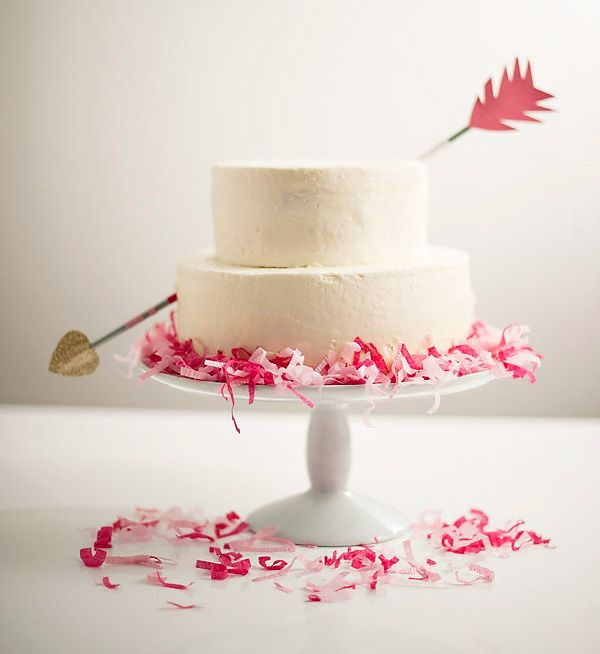 love struck wedding cake