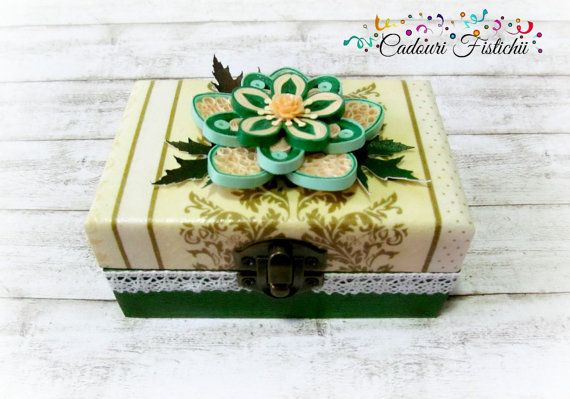 Quilling  Paper  Handmade  Flower  Jewelry Box by CadouriFistichii