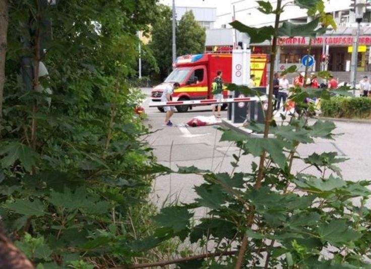 22 July 2016: Multiple deaths following shooting spree at the Olympia-Einkaufszentrum shopping mall in the #Moosach district of #Munich, #Germany