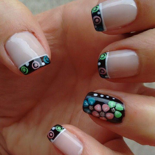 #Flowers #French #InstaNails #NailArt #NailArtAddict #NailArtSociety #UñasDecoradas #Uñas #Nails #NailsAndNails #ILoveNailArt #GoldenNailsSpa http://decoraciondeunas.com.mx #moda, #fashion, #nails,...
