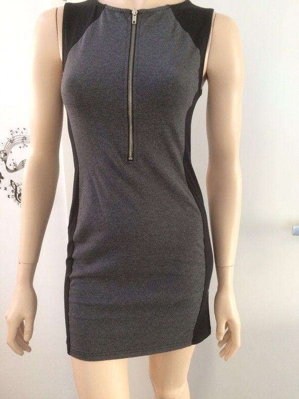 Mein Minikleid schwarz/grau von H&M von H&M! Größe 40 / M / 12 für 6,00 €. Sieh´s dir an: http://www.kleiderkreisel.de/damenmode/minis/151415392-minikleid-schwarzgrau-von-hm.