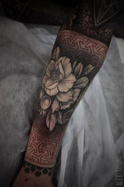 17 best ideas about geometric flower tattoos on pinterest geometric flower flower tattoos and. Black Bedroom Furniture Sets. Home Design Ideas