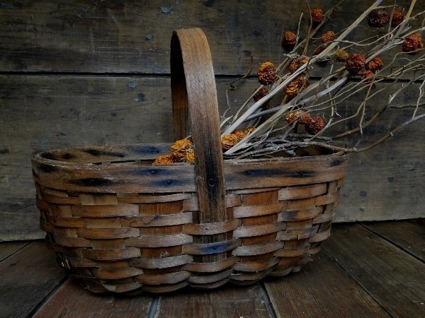 116 best images about baskets antique vintage on pinterest cheese baskets antiques and bee skep - Wicker beehive basket ...
