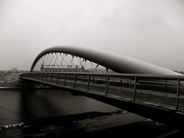 footbridge, via Flickr.