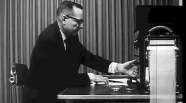 """Milgram 'ın deneyini 50 yıl sonra yürüten psikologlar: İtaat içinde çaresiz bir kişiyi hala elektrikle öldürmeye istekliler """"Milgram 'ın deneyini 50 yıl sonra yürüten psikologlar: İtaat içinde çaresiz bir kişiyi hala elektrikle öldürmeye istekliler""""  https://yoogbe.com/teknoloji/milgram-in-deneyini-50-yil-sonra-yuruten-psikologlar-itaat-icinde-caresiz-bir-kisiyi-hala-elektrikle-oldurmeye-istekliler/"""