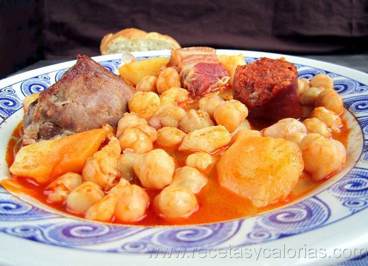 Cocido de garbanzos  por 306 (kcal/100g) calorías. Fácil receta casera , paso a paso.  http://www.recetasycalorias.com/2014/02/cocido-de-garbanzos.html