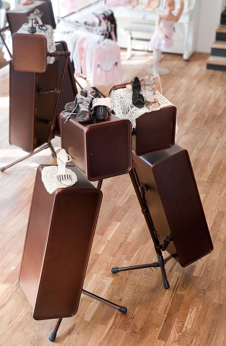 89 best images about restaurantes bares hoteles y tiendas on pinterest. Black Bedroom Furniture Sets. Home Design Ideas