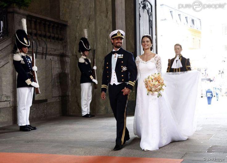 Les mariés dans la chapelle - Mariage du prince Carl Philip de Suède et Sofia Hellqvist à...