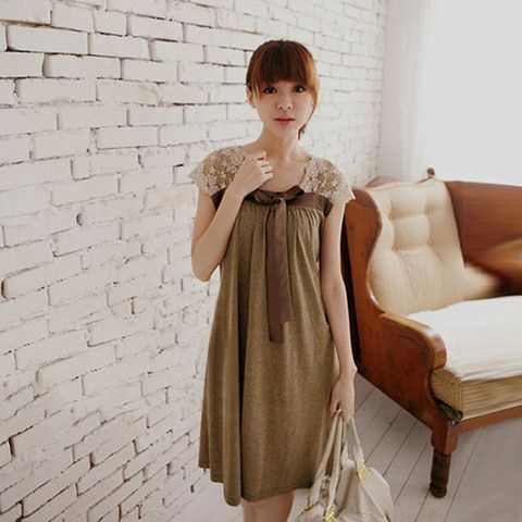 Lace Maternity Dress Vintage Short Sleeve Pregnancy Clothing $21.99 CAD