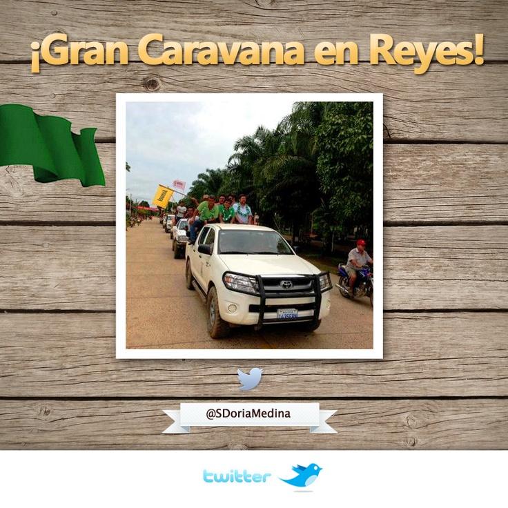 Caravana en Reyes encabezada por Carmelo Lens y todo el pueblo.