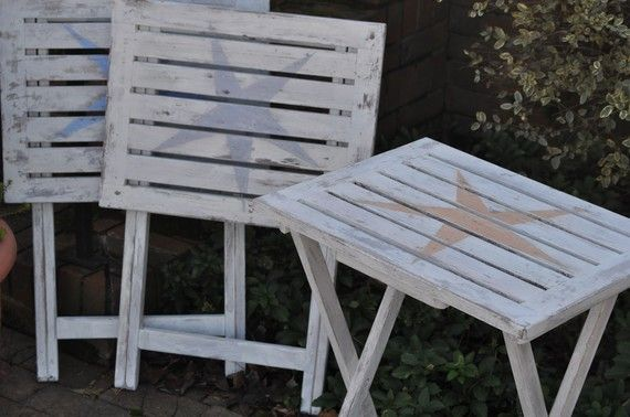 I could paint my wooden tv trays for patio