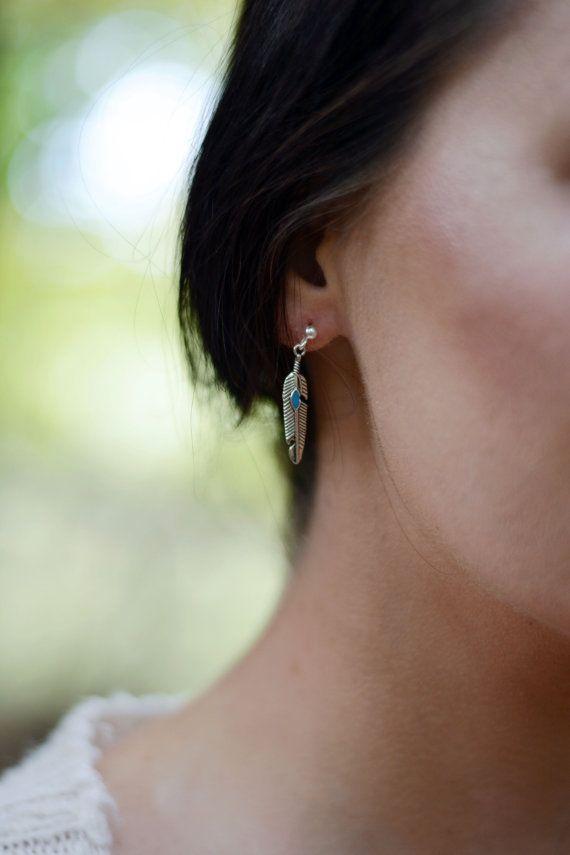Piccola piuma orecchini con turchese finto - piuma tribale d