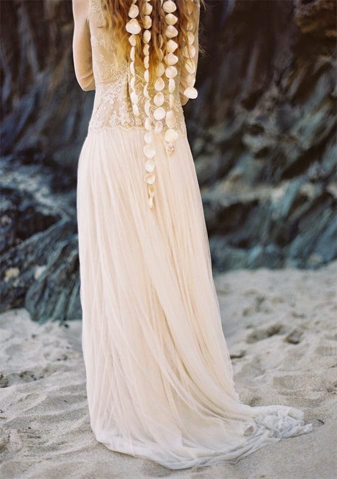 ~ seashell hair adornment ~