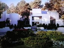 SHERMAN OAKS-- Kelly Taylors House-- 3959 Longridge Ave, Sherman Oaks, Los Angeles