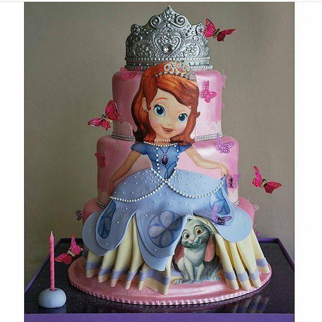#mulpix Lindoo bolo da princesa Sofia  Imagem do Ig @festejarcomamor por @repocreativa .  #mae_festeira  #sofiathefirst  #cake  #sugarart  #bolo  #torta  #pastel