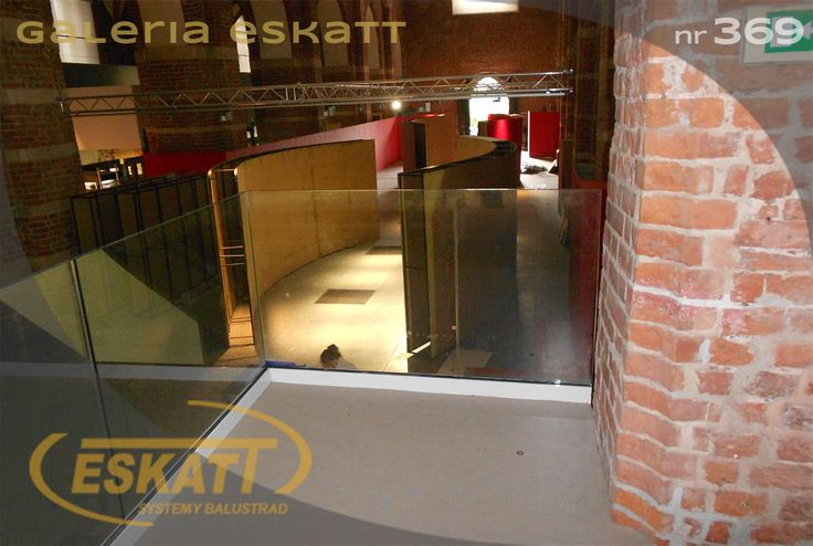 Glass balustrade; profile #balustrade #eskatt #construction #balcony