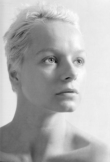 Samantha Jane Morton (born 13 May 1977) is an English actress and film director.