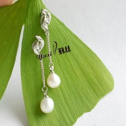Pretty Diamond Stud Earrings with Dangling Pearl: Diamond Stud Earrings, Dangle Pearls, Diamond Studs, Pearls 559, Image, Diamonds Studs Earrings, Pearls 5 59, Pretty Diamonds