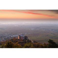 Fototapete von dem Hambacher Schloss, Rheintal Deidesheim, Maikammer, Kirrweiler, Sonnenaufgang, Pfalz, Fotograf: G. Knoll #Fototapete #Pfalz #Weinberge #Weinregion #Merianbildservice #Natur #Landschaft #Schloss #Deidesheim #sonnenaufgang